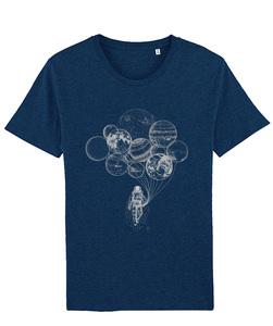 T-Shirt mit Motiv / Astronaut mit Planeten hell - Kultgut