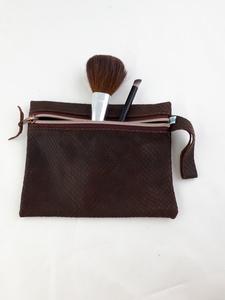 Tasche aus braunem Leder für Kosmetik, Stifte und Krimskrams - Süßstoff