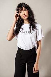 """T-Shirt mit Stickerei Statement """"Girls Rule"""" aus Baumwolle - SinWeaver alternative fashion"""