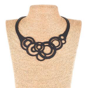 Circular Statement Halskette aus recyceltem Kautschuk - SAPU