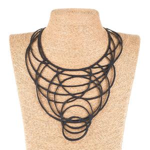 Kale Statement Halskette aus recyceltem Kautschuk - SAPU