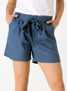 Shorts aus Tencel® mit Bindegürtel - ORGANICATION