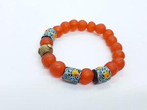 Orangefarbiges Perlenarmband SUDANESE ORANGE PEINTURE II - PEARLS OF AFRICA