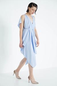 drapiertes Kleid bleu - Natascha von Hirschhausen