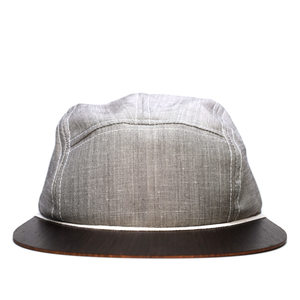 Cap grau mit edlem Holzschild - Made in Germany - Sehr leicht & bequem - Lou-i