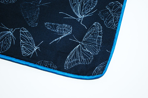 Geschenkset: Kissenbezug in stoffbezogener Box Butterfly black - Biostoffe Berlin by Julie Cocon