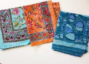 Sommerschal aus Bio-Baumwolle mit floralem Muster - BAGHI