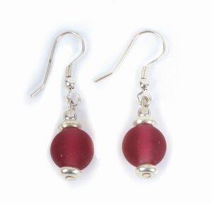 Ohrringe mit roten Glasperlen von El Puente - El Puente