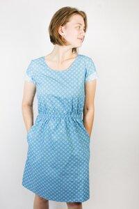 Bio Kleid 'Somrig' Blumen blau - Frija Omina
