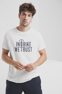 In Bike We Trust T-Shirt - Modisches weißes Statementshirt für Herren - thinking mu