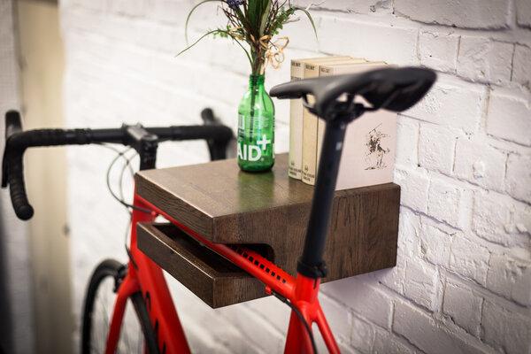 bicycledudes fahrrad wandhalterung franz josef aus nachhaltigem holz avocadostore. Black Bedroom Furniture Sets. Home Design Ideas