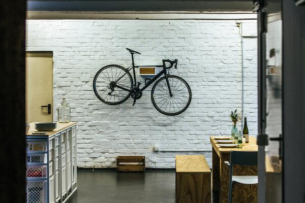 bicycledudes fahrrad wandhalterung fritz aus nachhaltigem holz avocadostore. Black Bedroom Furniture Sets. Home Design Ideas